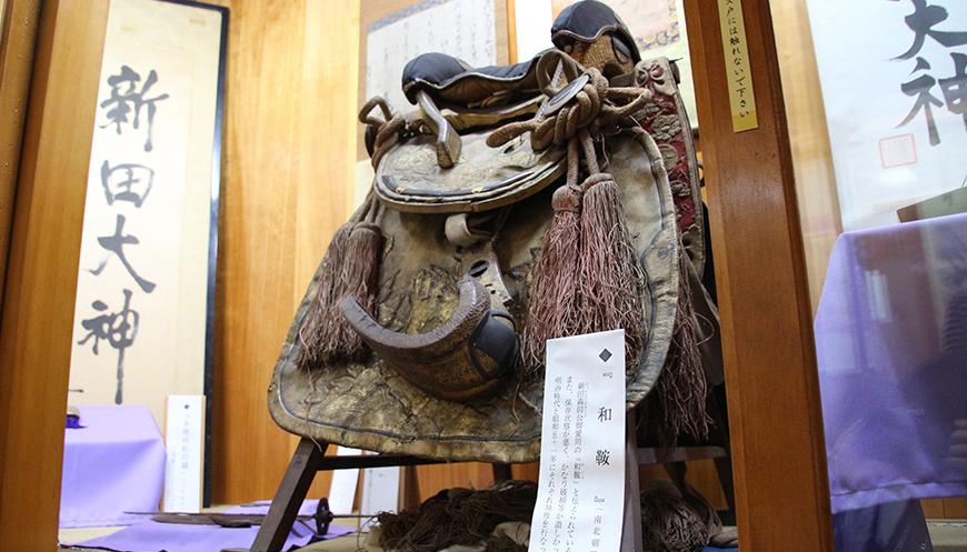 新田神社の宝物殿