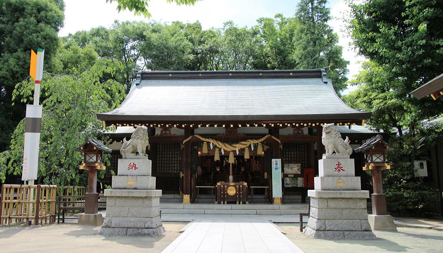 新田神社の御社殿