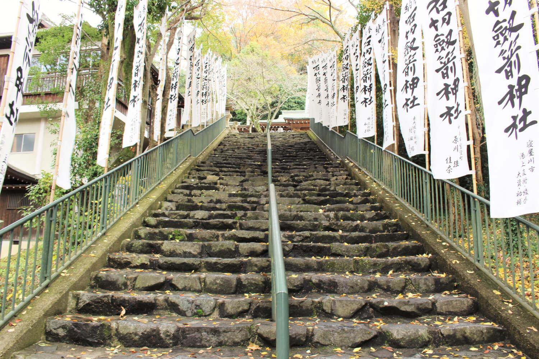 上之社の階段