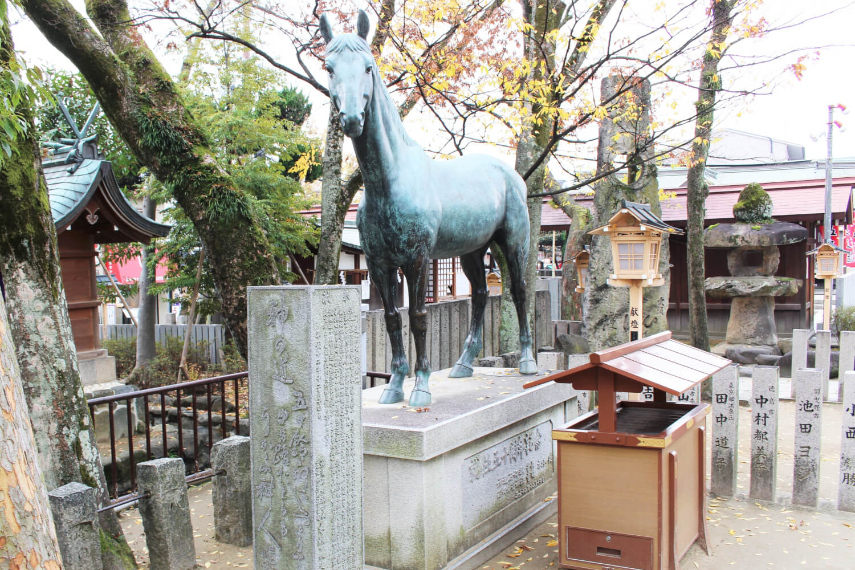 イシキリツルギヤ号の銅像