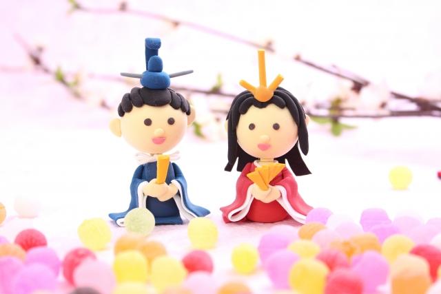 お内裏様とお雛様を飾るひな人形は、幸せな結婚の象徴のようです