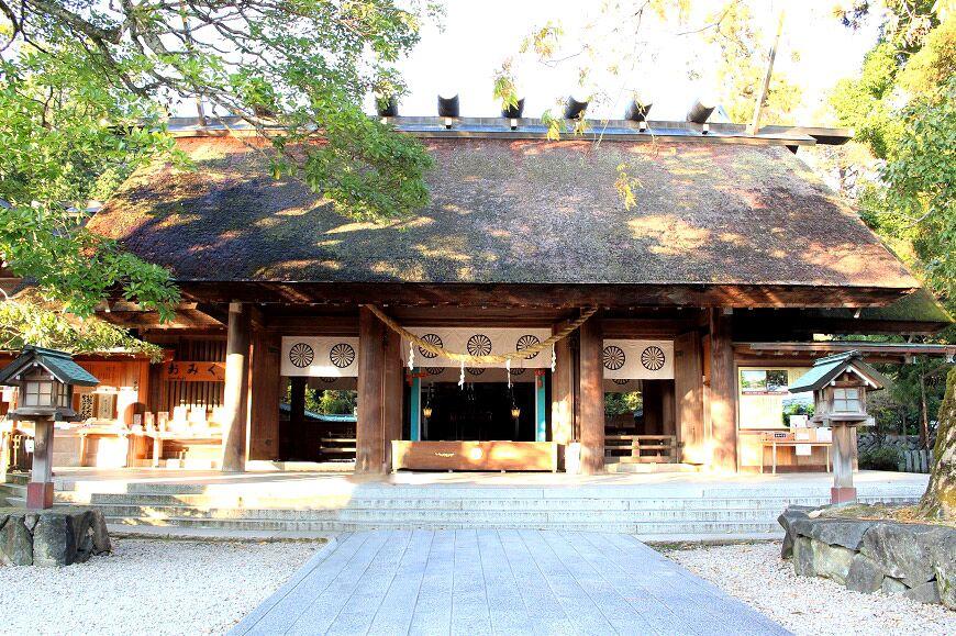 籠神社の御社殿
