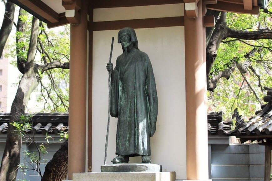 建立した徳川光圀公の銅像