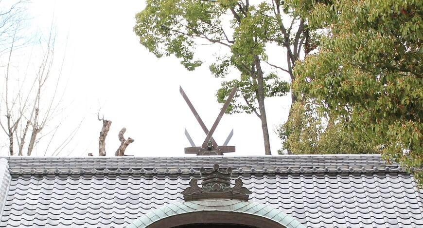 姫嶋神社の御社殿の千木