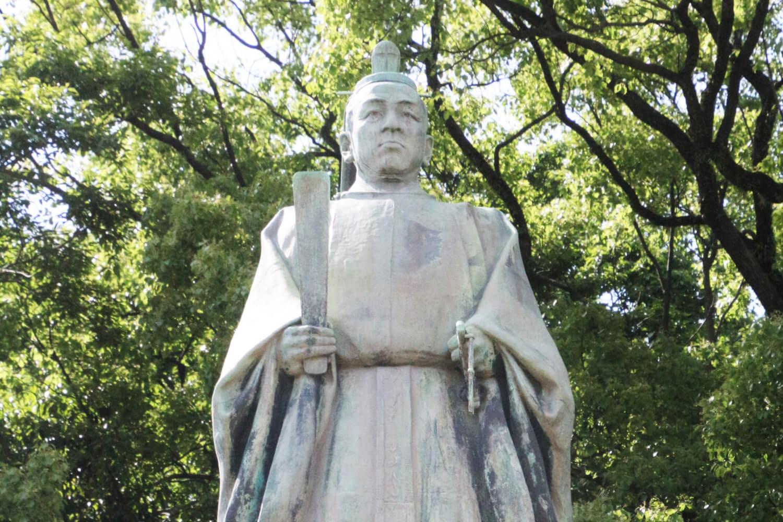 明治維新のきっけを作った島津斉彬をまつる照国神社、島津斉彬公の銅像