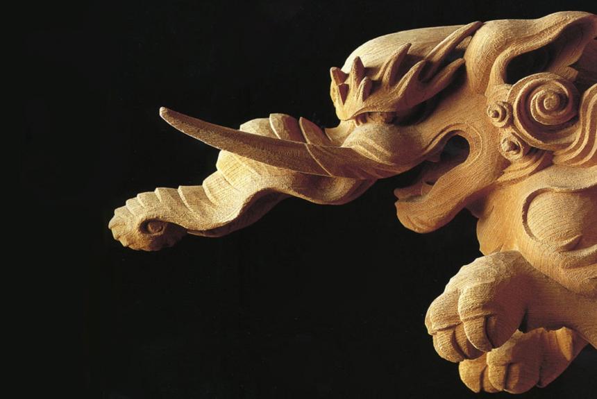 息を飲むほど細かい彫刻の細部がある田無神社の本殿