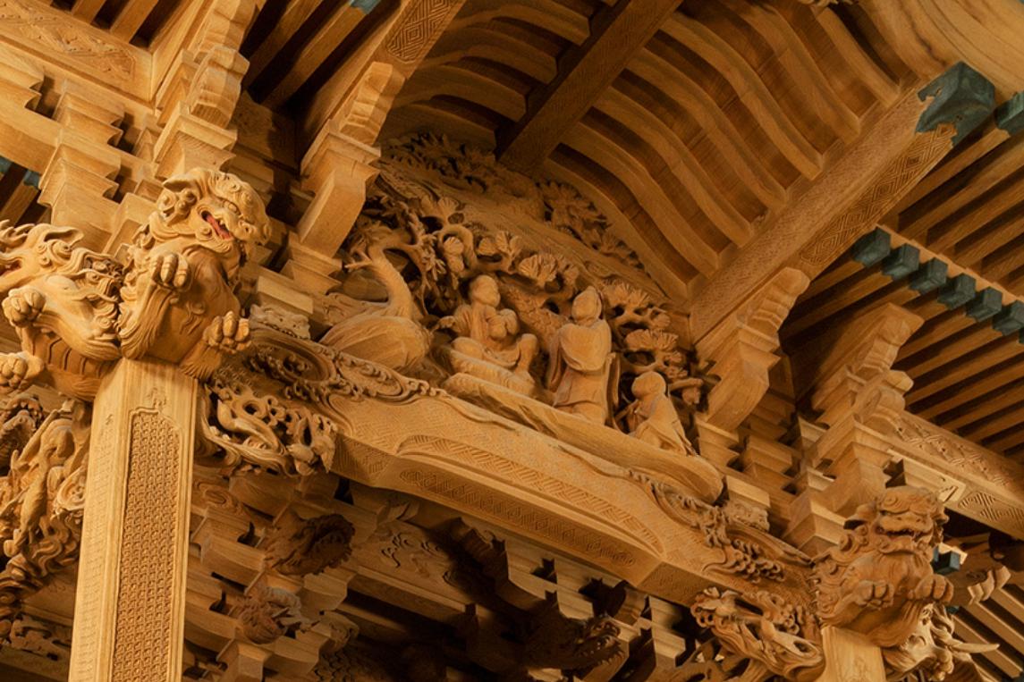姜詩の物語を彫ることで先祖たちへの労いを表現している田無神社の本殿