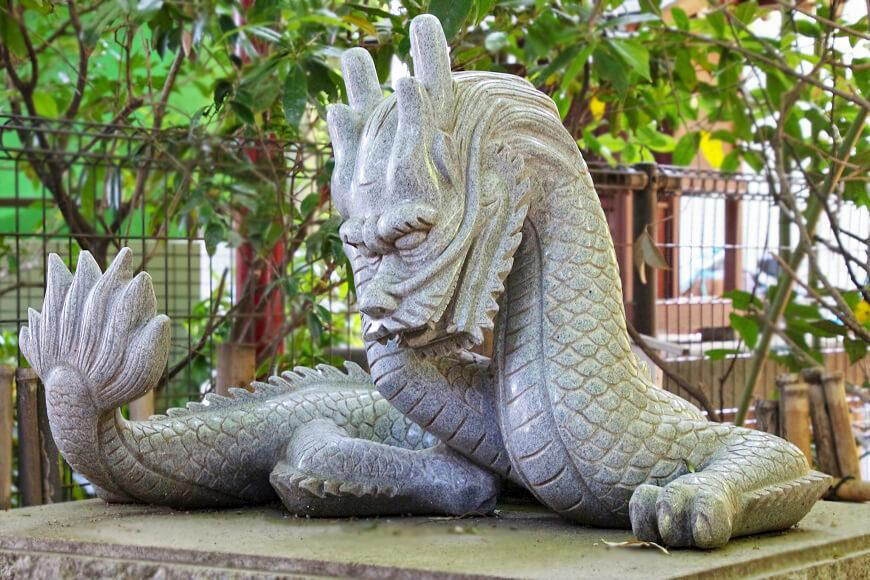 田無神社を守る白龍様 龍神様