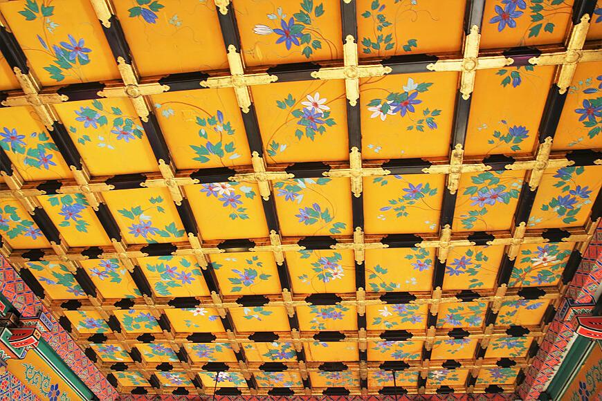 浅草神社の御社殿の天井画