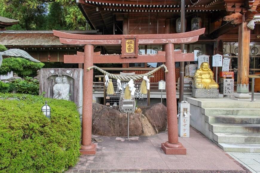 田村神社の縁結び神社「姫の宮」