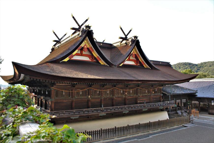 国宝の吉備津造の本殿・拝殿