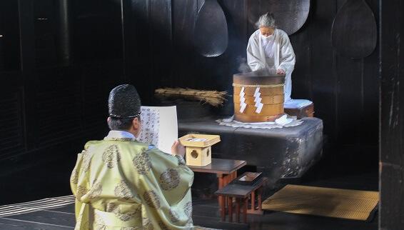 吉備津神社 桃太郎伝説の地に伝わる、鬼が唸る鳴釜神事とは