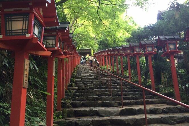 京都府の貴布禰総本宮 貴船神社のアクセス、住所、電話番号などの説明です。