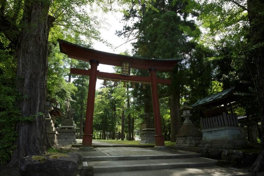 岡太神社、大瀧神社の鳥居