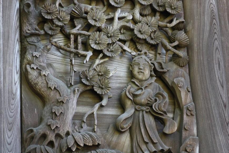 中国岡太神社、大瀧神社には故事を題材にした丸彫彫刻