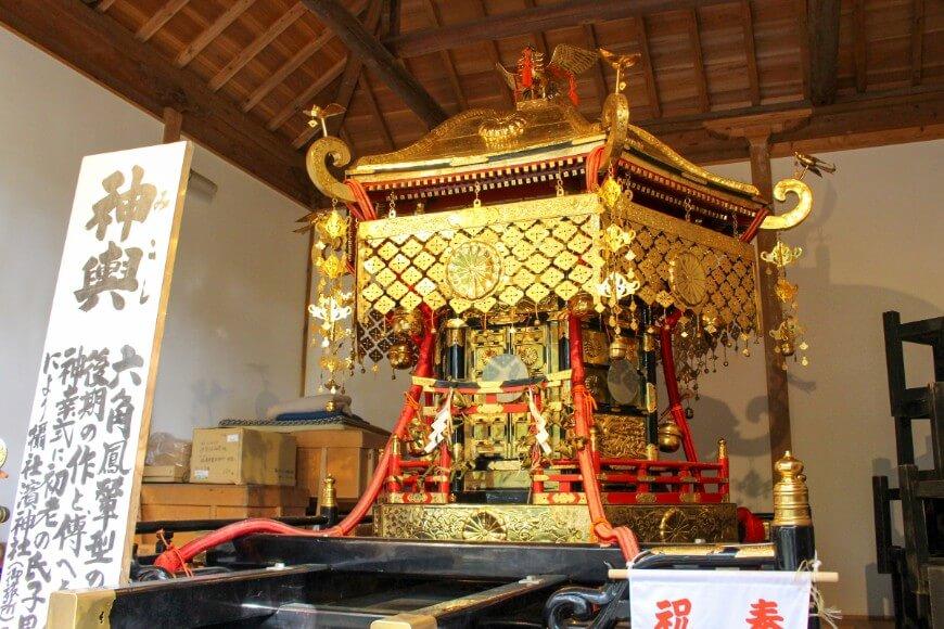 伊弉諾神宮の例祭で見られるお神輿