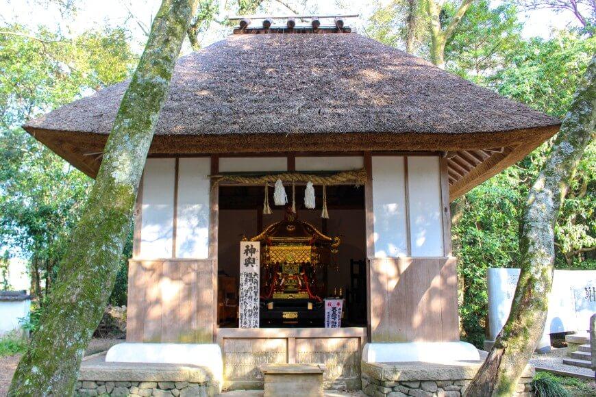 伊弉諾神宮の神輿庫
