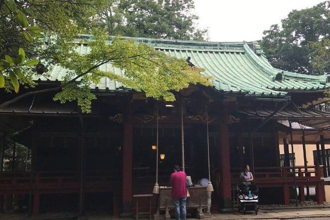 東京都にある赤坂氷川神社のアクセス、住所、電話番号などの説明です。
