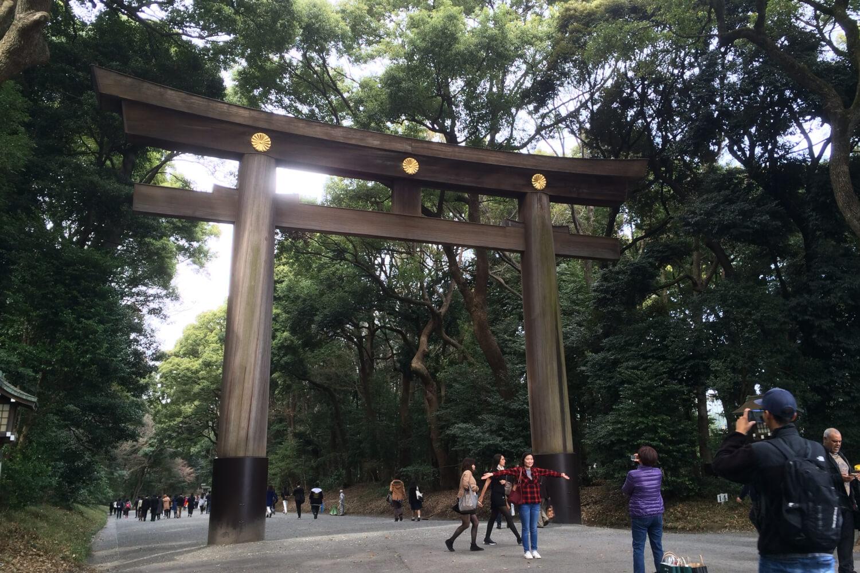 東京都にある明治神宮のアクセス、住所、電話番号などの説明です。