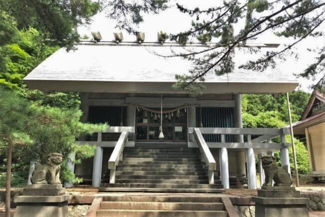 山形県にある熊野神社(あつみ温泉)のアクセス、住所、電話番号などの説明です。