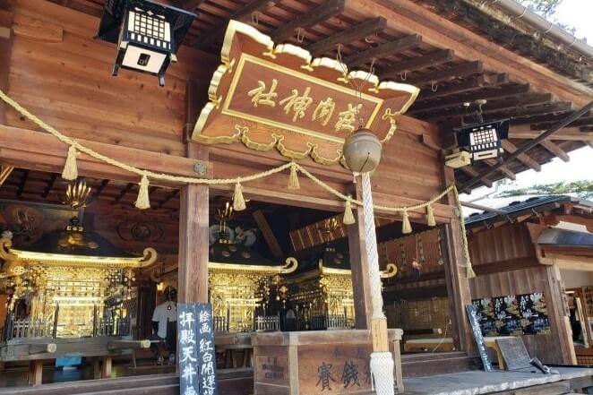 山形県にある荘内神社のアクセス、住所、電話番号などの説明です。