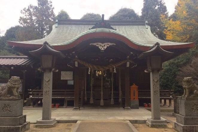 福岡県にある筑紫神社のアクセス、住所、電話番号などの説明です。