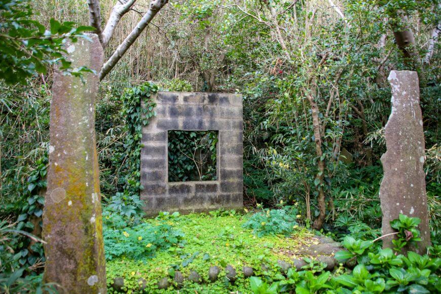 八丈小島で自害したと伝わる源為朝の神社
