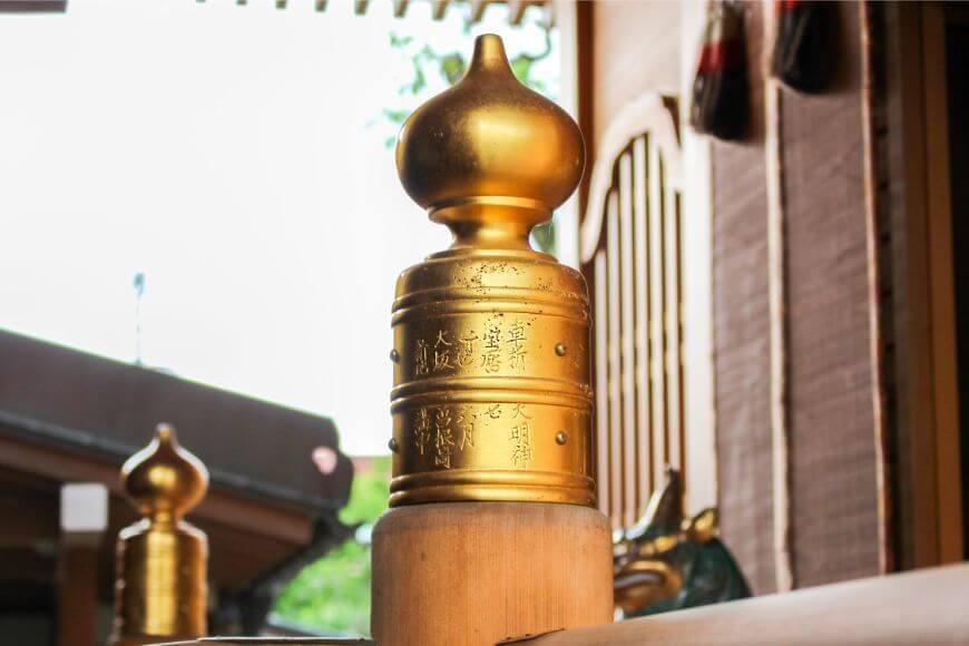 車折神社の御本殿の金具